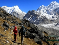 Trekkers Heading to Kanchenjunga North Base Camp/ Kanchenjunga North Base Camp Trek