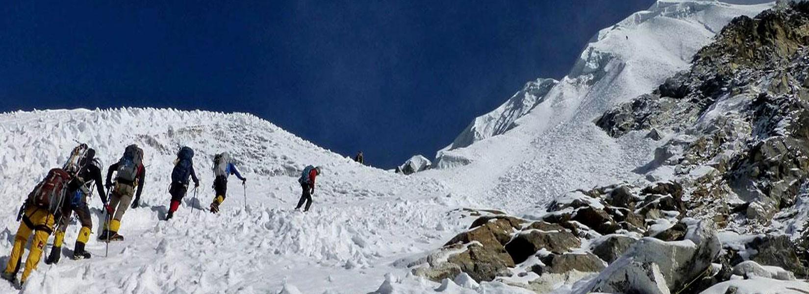 lobuche-east-peak-climbing